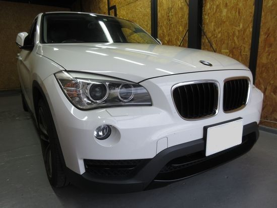 BMWX1ガラスのひび割れ修理依頼